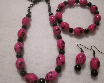 Hot Pink Splash of Black 3pc Set.