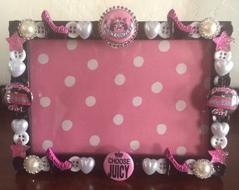 Juicy button picture frame