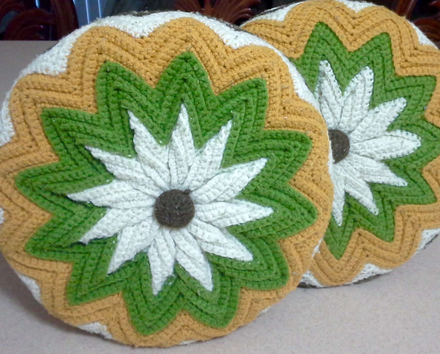 Set of 2 Mid Century Round Knit Pillows Vintage by Lalecreations