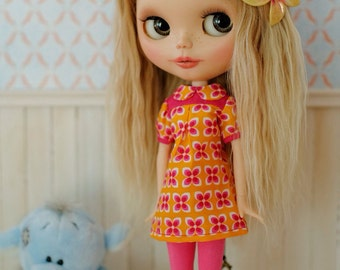 Blythe dress retro style, pink and orange, also fits neemo size S