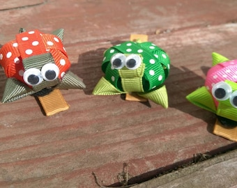 Turtle hair clips