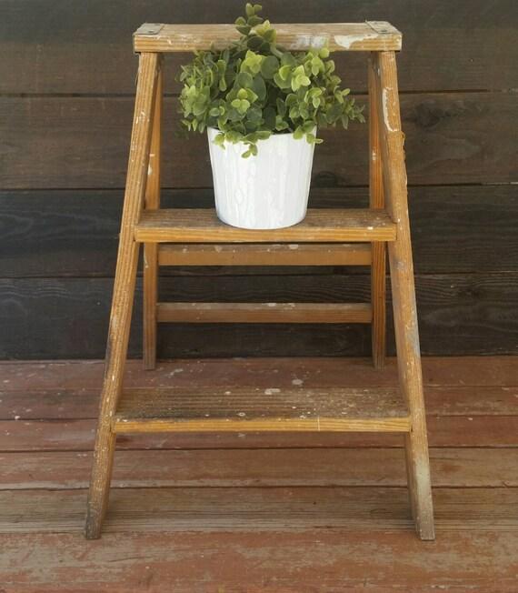 Wood ladder vintage ladder rustic decor cottage by brassattics for Echelle decorative bois