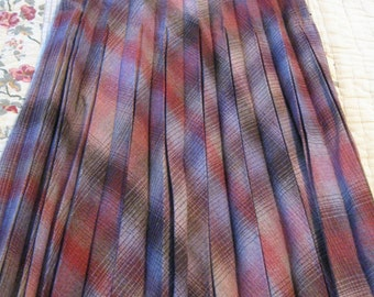 SALE! Wonderful Vintage Wool Pleated Skirt Purples Reds Creams-Small