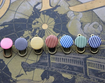 Vintage old stock collar buttons