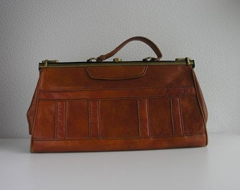 French vintage leather bag / brown leather large size bag