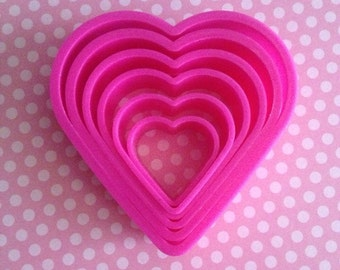 Heart shaped cookie cutters set
