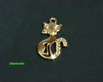 """Lot of 24pcs """"Cat"""" Gold Color Plated Metal Charms. #XX131."""