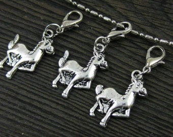 1 pc. Galloping Horse #1 in  Dangle for Bracelets, Floating Charm Pendants, Necklaces & Keychains  D031
