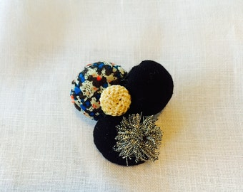 Cloud pin brooch Vintage french thread-Vintage button-Liberty print fabric-Wool BC007