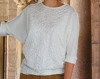 Blouse from 3D structural material in warm white color US 14/16 . M