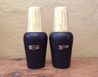 Mid Century Salt and Pepper Shakers Black Yellow