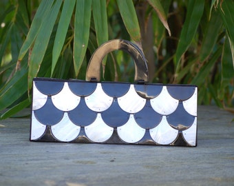 Black & White Scalloped Purse with Magnetic Closure