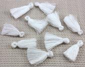 10pcs Mini Tassel, 2,5cm Cotton Tassel, 1 inch Tiny Short Tassel, White Tassel, Handmade Tassel, DIY Craft Supplies, Boho Charm Tassel / #14