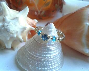 Gold and Aqua Blue Crystal Adjustable Fashion Ring Size M/L US/Canada 7 UK N1/2 Single Band