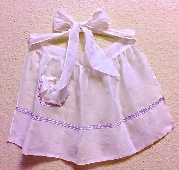 Kitchen Lingerie Cute And Sassy 1950's Gauzy Apron By