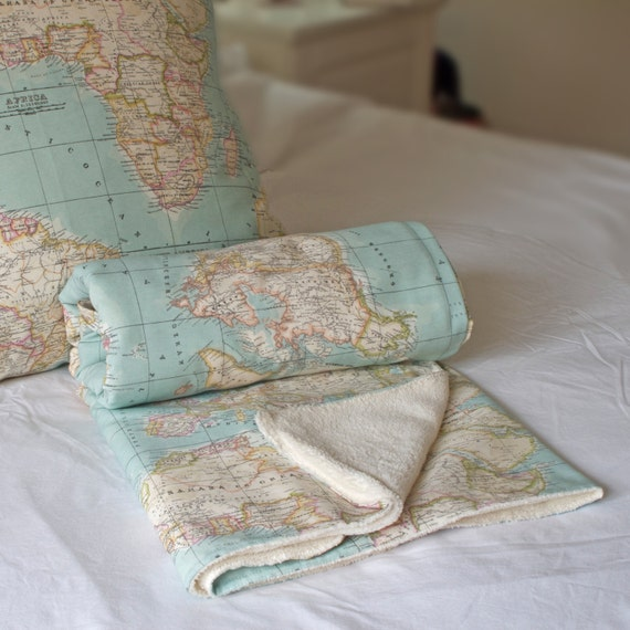 Pretty world map blanket