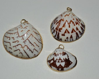 Beautiful Vintage Gold Edged White Shell Pendants with Brown and Tan Chevrons across the front(1060131)