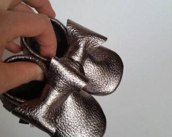 Gunmetal Metallic Leather Baby / Toddler  Moccasins (Silver)