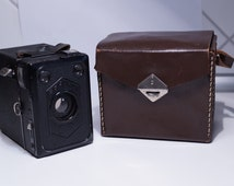 Vintage Zeiss Ikon Erabox Box Camera with Original Leather Case - Working Condition!