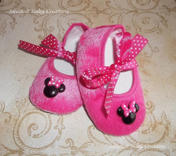 pink minnie mouse polka dot shoes by sweetestbabycreation