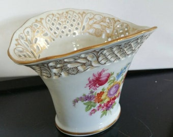 A Schumann Arzberg Tradition - Bavaria Germany Vase Centre Piece Reticulated And Gilded