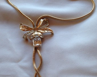 Beautiful Vintage Coro Big Bow Tied Flower Rhinestone Lariat Necklace