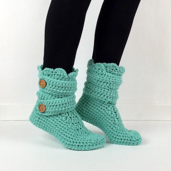 Free Crochet Pattern Slippers Cuffed Boots : ?hnliche Artikel wie Damen h?keln Mint-Slipper Stiefel ...