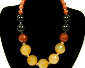 Graduated and Faceted Agate Gemstone Necklace
