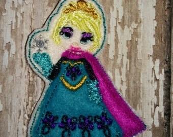 Set of 4 Frozen Elsa Coronation Full Body Cutie Felties Feltie Felt Embellishment Bow! Princess Queen and Snowman