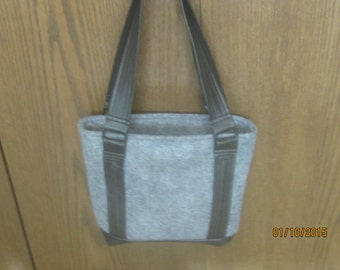 FELT and LEATHER PURSE/Bag