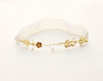 Ivory and gold bridal garter, Wedding garter, Gold Leaves Garter, Pearls and gold wedding garter, Bridal accessory, Bridal shower gift