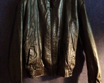 Vintage 1970s 1980s Mens Distressed Black Leather Biker Motorcycle Moto Jacket Womens