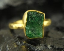 Free Fedex shipping 24K Gold Over 925K Sterling Silver Handmade Hammered Band Natural Rough Emerald Ring