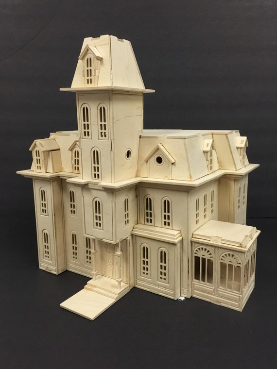 Addam 39 s family house model kit for Addams family house floor plan