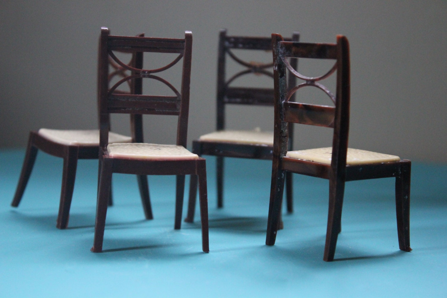 Vintage set of 4 renwal d 53 dining room dollhouse chairs - Dollhouse dining room furniture ...