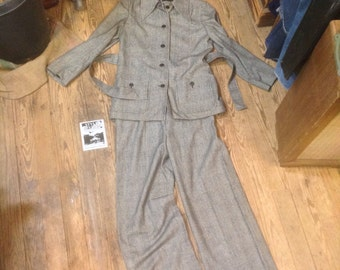 70s Christian Dior Miss Dior wool check pantsuit sz. S-M in Exellent Condition
