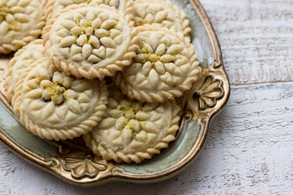 Persian date filled walnut cookies kolompeh a perfect for A treasury of persian cuisine
