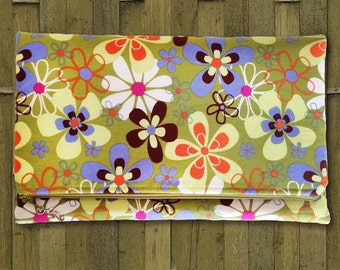 Fold Over Clutch, Clutch Purse, Evening Clutch in Mod Green Flower Fabric - Made in Maui