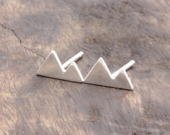 925 stering silver lovely double mountain stud earrings (E_00024)