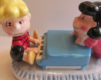 Vintage Peanuts  Lucy and   Schroeder  Ceramic Music Box  Willits  used