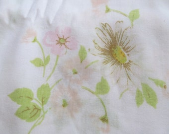 Vintage Flat Sheet  pastel  colors  Flower print   94'' x 136''
