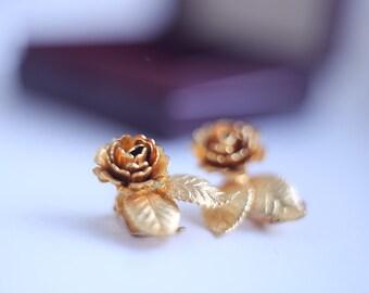 Gold color Vintage Clip Earrings