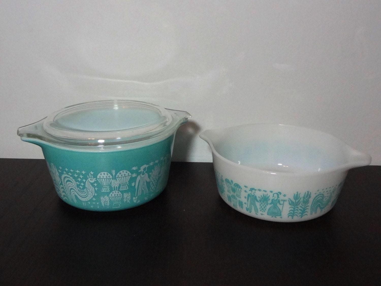 Vintage Set Of 2 Pyrex Amish Butterprint Casserole Dishes 1