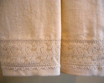 EMBROIDERED LACE Fingertip or Guest Towels (2) Ivory Velour Cotton New Custom-embellished
