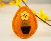 Felt Easter egg ornament with potted flower handmade - spring Easter gift Home decor handmade