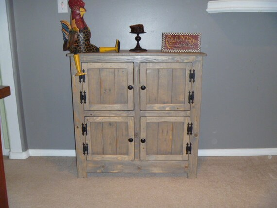 Rustic pallet cabinet with chicken wire door jelly cabinet - Porte shabby chic ...