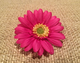 Dark Pink Daisy Flower on a Partially Lined Alligator Hair Clip