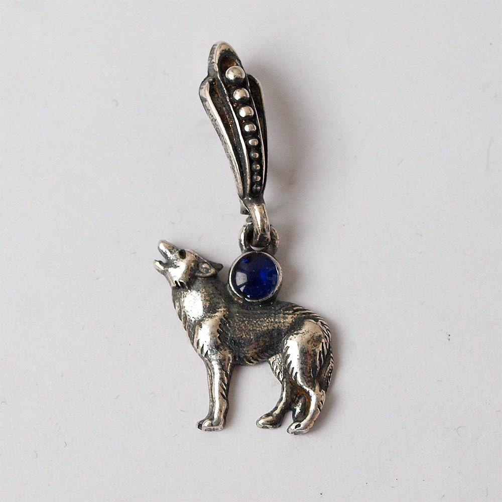 small howling wolf pendant jewelry silver plated brass with