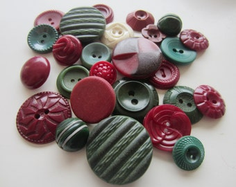 Cottage Chic vintage buttons. Shades of green, burgundy, and white. Lot 26 (2061)