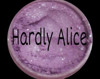 Hardly Alice loose mineral eyeshadow Not Vegan,Not lip safe